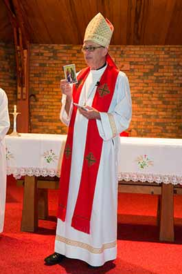 Bishop Pat Dunne at Glendowie Parish Confirmation photographed by Michael Smith Photography